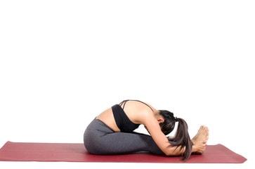 pose de yoga pour les douleurs lombaires
